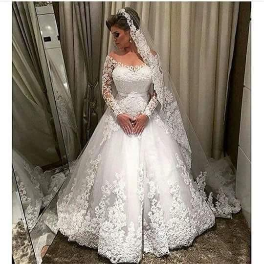 Off the Shoulder Ball Gown Wedding Dress With Applique , Fashion Bridal Dress BDS0282