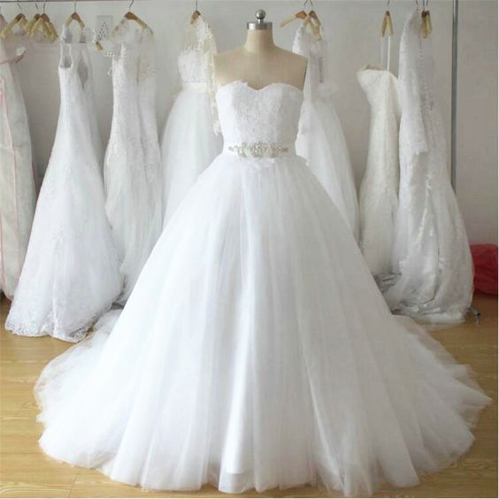 A-line Tulle Ball Gown Wedding Dress  ,Popular Appliqued Bridal Dress  BDS0226
