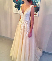 Fashion V-neck Appliqued Beach Wedding Dress ,Popular Bridal Dress  BDS0209