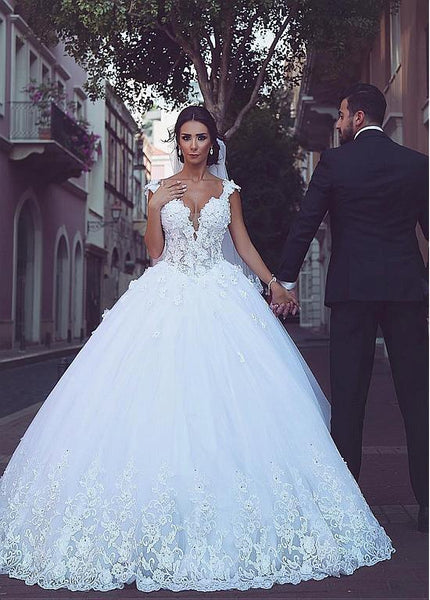 V-neck Tulle Ball Gown Wedding Dress Bridal Dresses Ball Gown Wedding Dress with Applique and Beading BDS0447