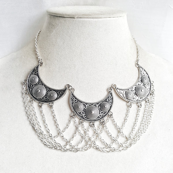 All Chained Up Medieval Necklace - DRAVYNMOOR