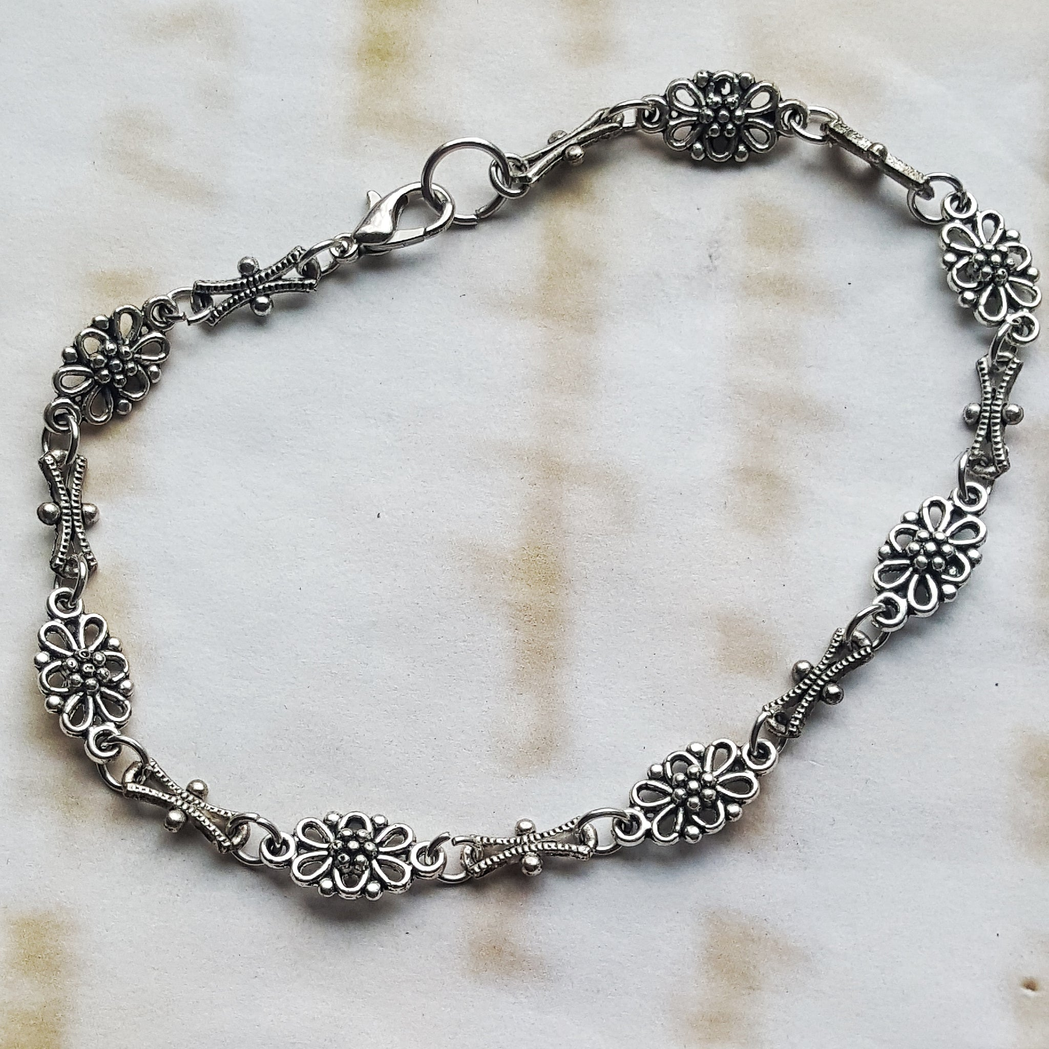 Silver Flower Anklet Christmas Gift Idea for Her - DRAVYNMOOR