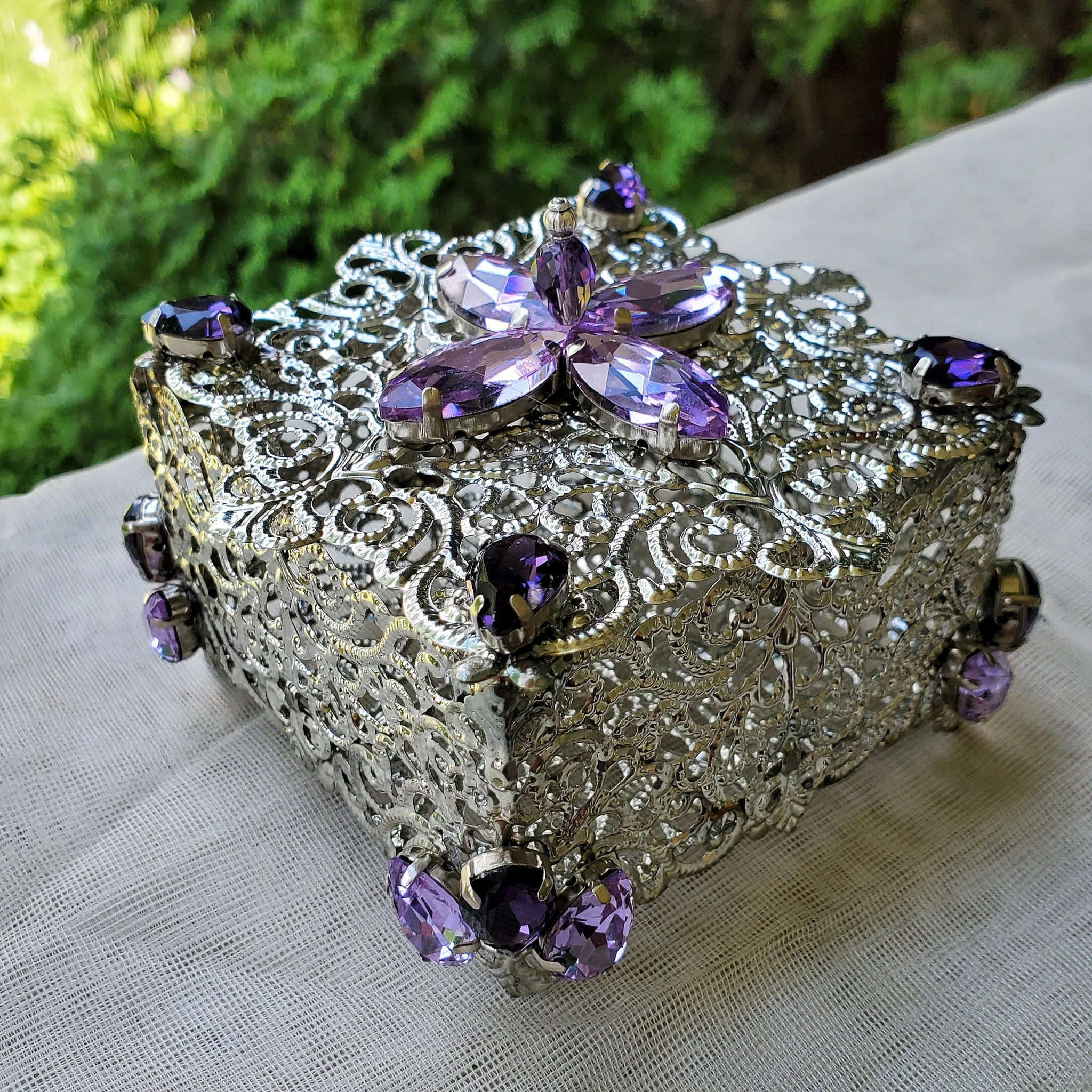 Silver Filigree Victorian Trinket Box with Rhinestones