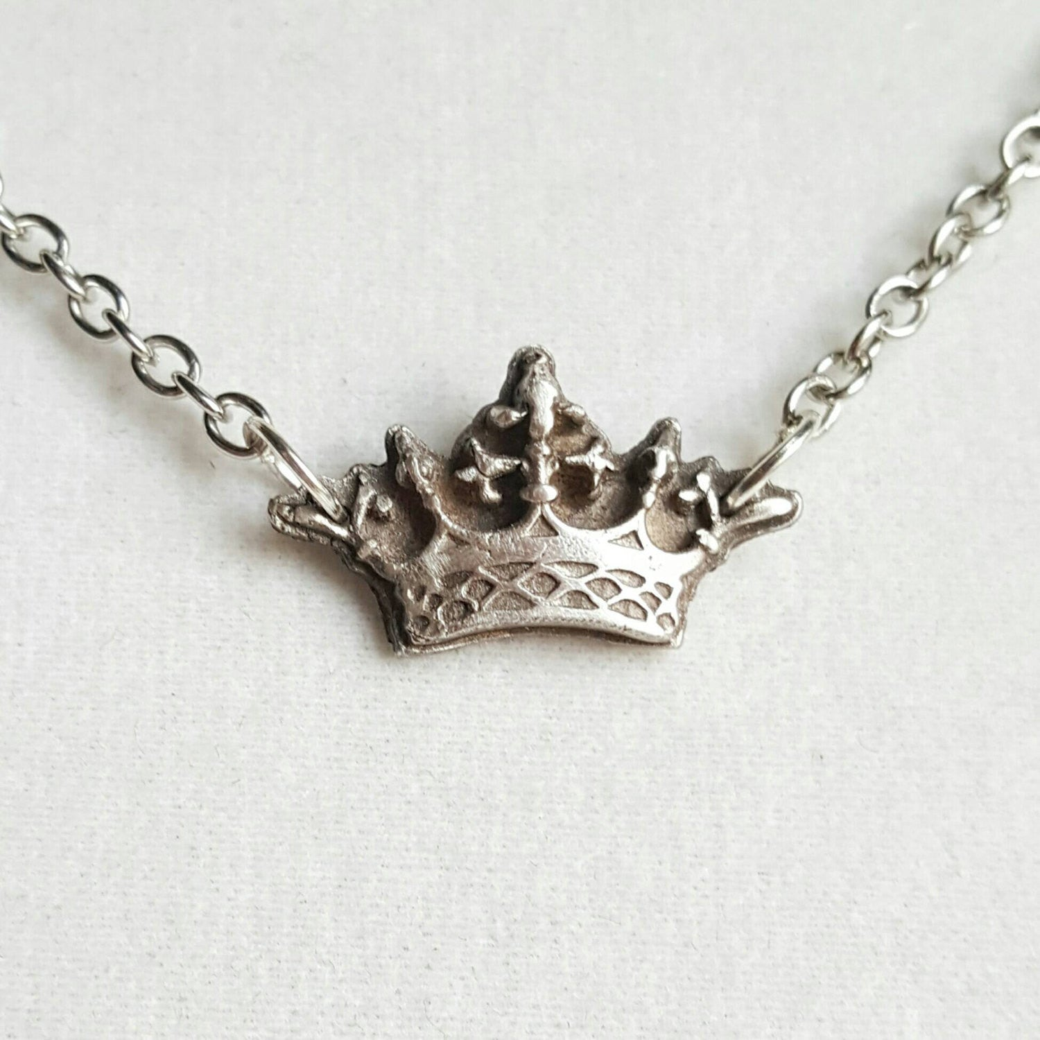 Crown Necklace 925 Sterling Silver Jewelry - DRAVYNMOOR