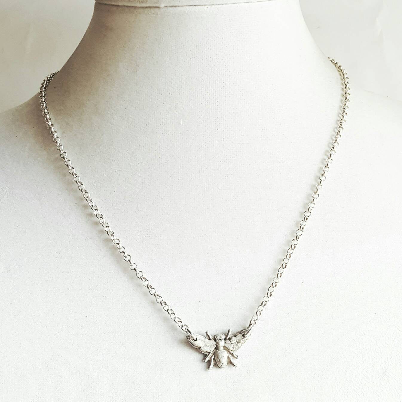 Queen Bee Necklace 925 Sterling Silver Jewelry - DRAVYNMOOR