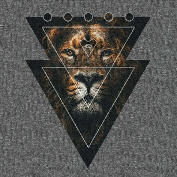 Lion Heart - Graphic T-shirt - Twisted Temple