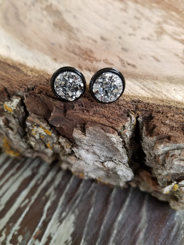 The Chloe earring- 10mm Gunmeatal druzy in black setting