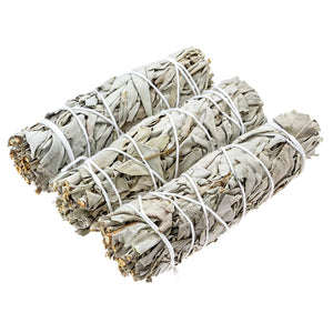 Burning sage is a historical spiritual ritual that helps purify the environment of negative energies, restoring its calm.