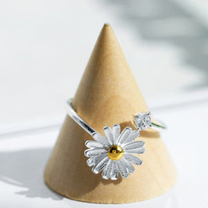 925 Silver Plated Daisy Flower Ring  - Zaida Fashions