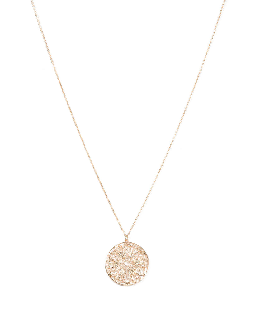 Filigree Pattern Disc Pendant Necklace