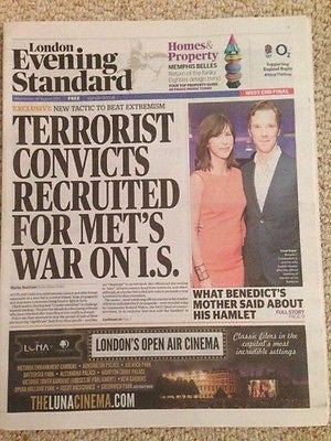 (UK) LONDON ES NEWSPAPER AUG 26 2015 BENEDICT CUMBERBATCH HAMLET PHOTO COVER
