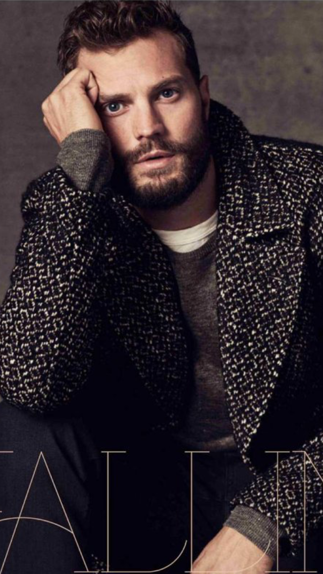 UK Red Magazine December 2018: JAMIE DORNAN on Family