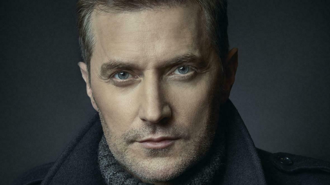 UK Times Magazine October 2020: Richard Armitage Interview