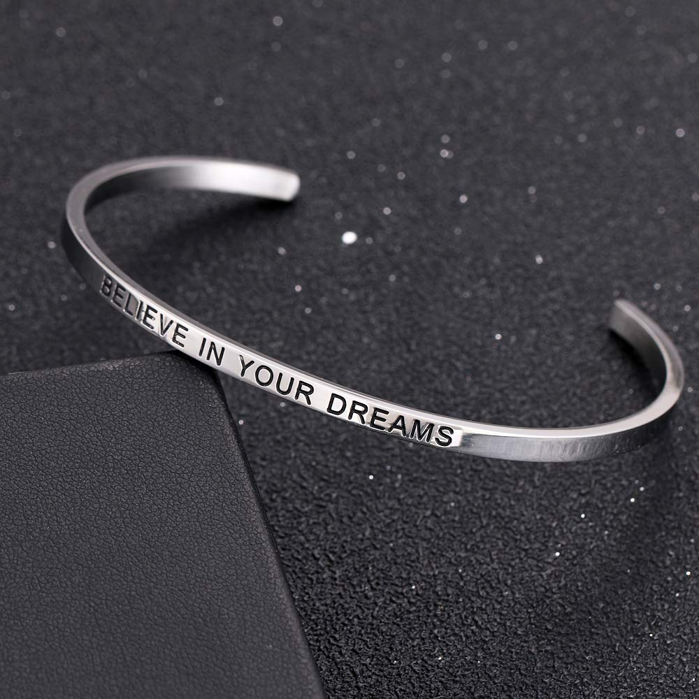 HAQUIL ''Believe in Your Dreams'' Personalized Cuff Bracelet