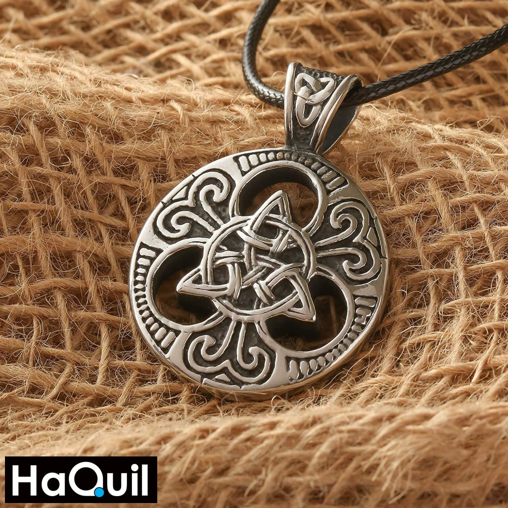 Haquil Viking Trinity Knotwork Round Necklace Jewelry