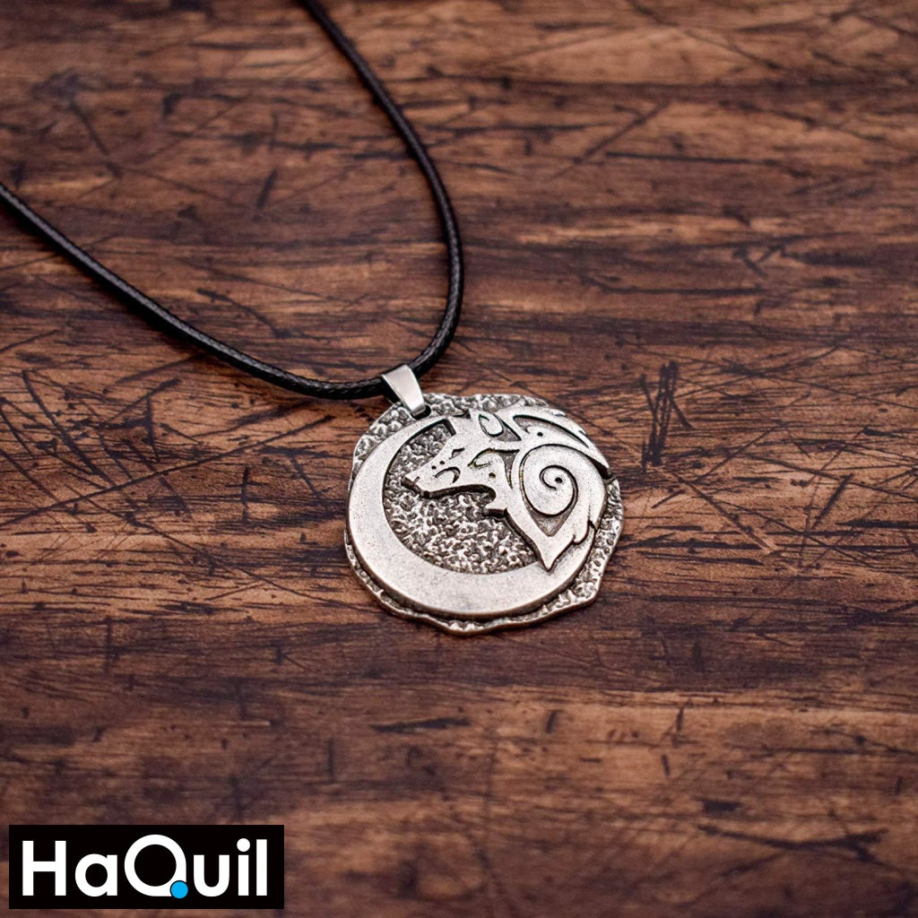 Haquil Viking Young Wolf And Moon Necklace Jewelry