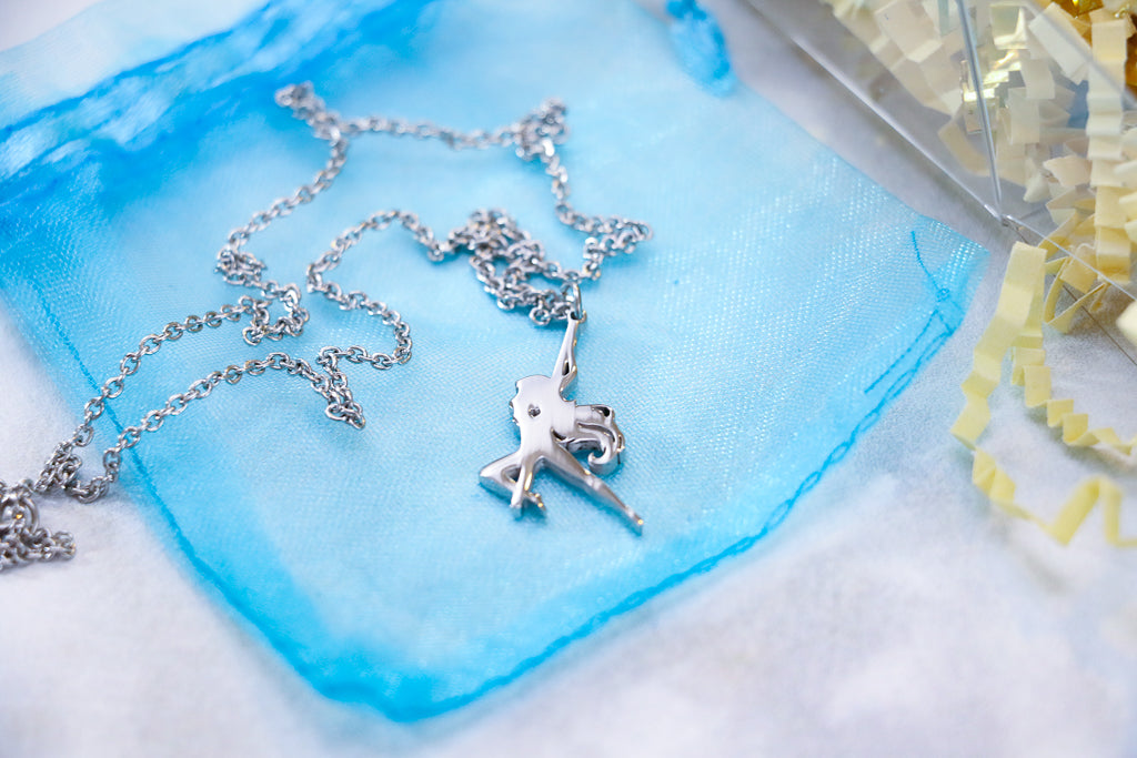 Pole dancer necklace