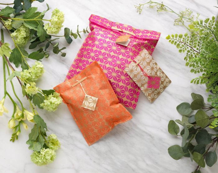 Silk paper golden flower gift bags with bamboo closure - Set of 3