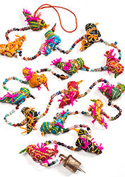 Decorative string of 15 multi-coloured birds with a bell - 190cm