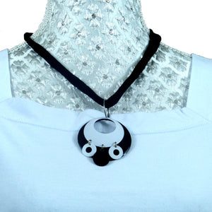 Sebix - Black and White Owl Necklace
