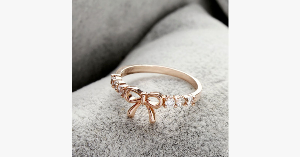Rhinestone Bow Midi Ring