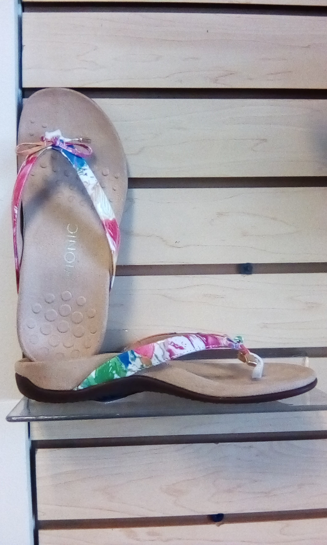 Vionic Rest Bella ll Toe Post Sandal Floral