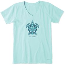 Women's Crusher Vee Mosaic Turtle Bermuda Blue