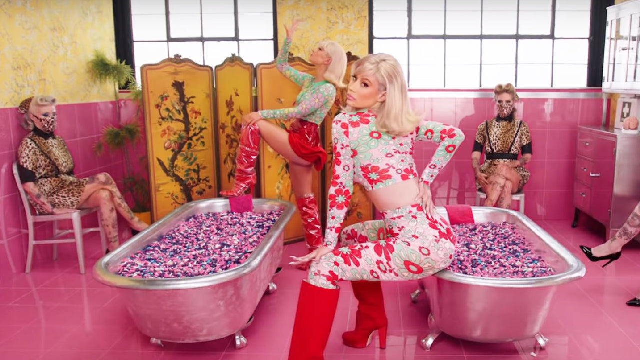 Iggy Azalea and Alice Chater /  'Lola' Music Video / November 2019