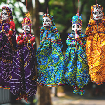 From Kathputlis to Meenakari to Warli Art – The Story of Indian Handicrafts