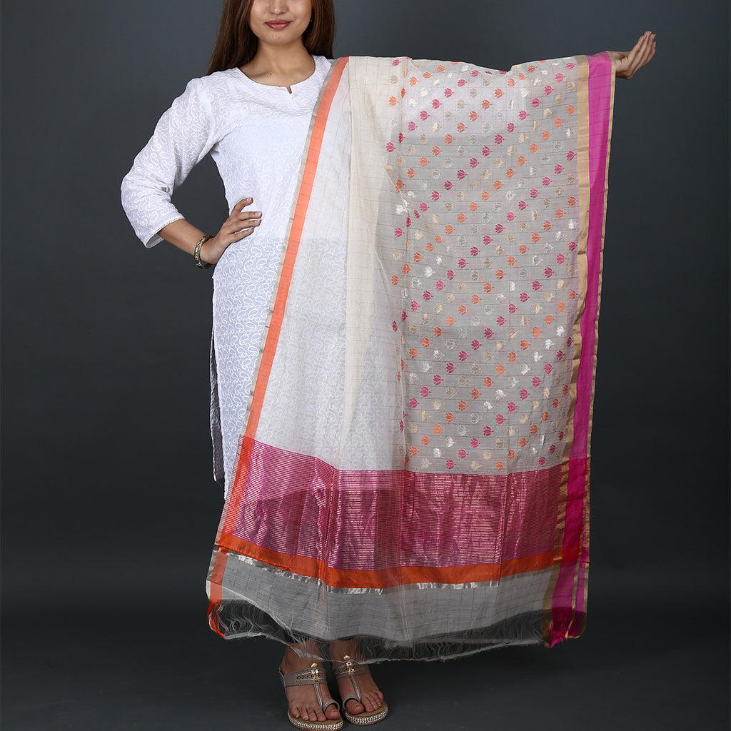 Chanderi Handloom Dupatta with Flower Motif