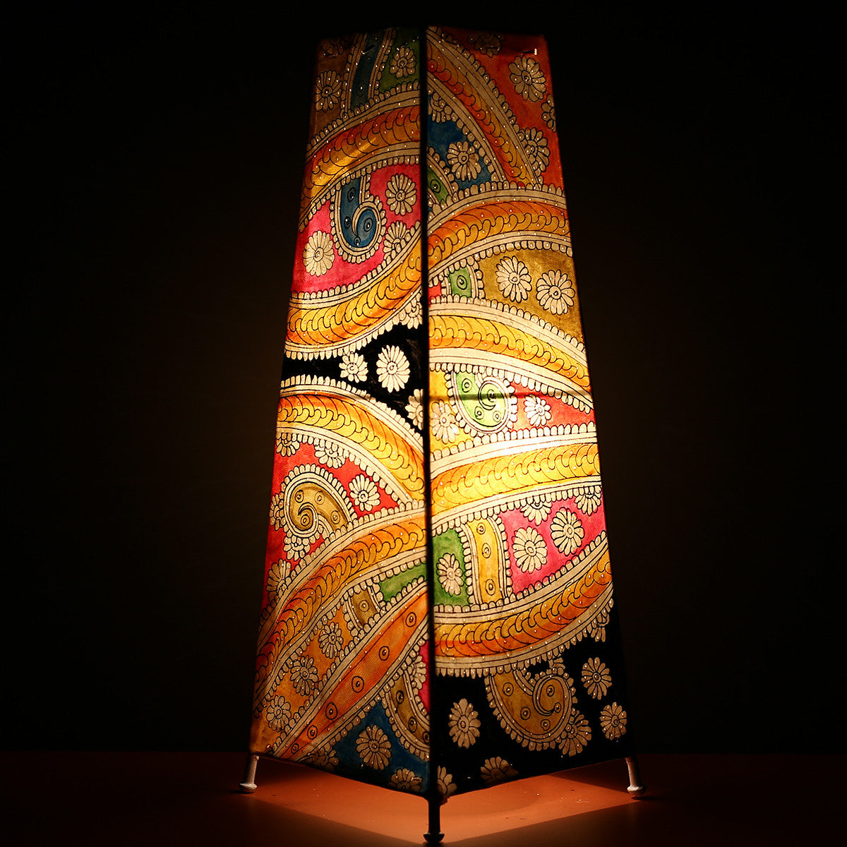 Big Andhra Pradesh Leather Lamp with Abstract Design