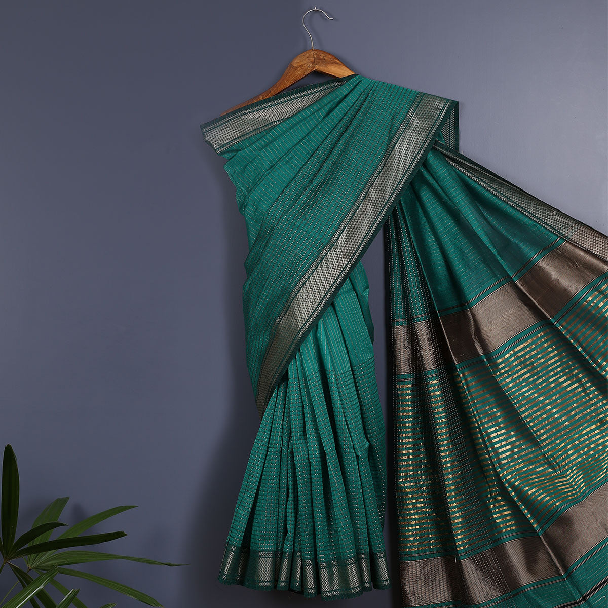 Maheshwari Handloom Cotton Silk Saree with Blouse 1