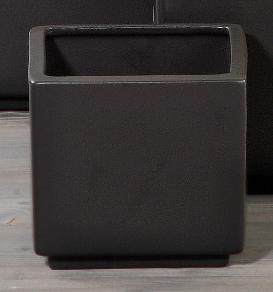 Anthracite cube pot