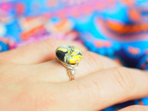 Handmade Colombian, Silver Overlay ring, Yellow calsillica stone - Violet House