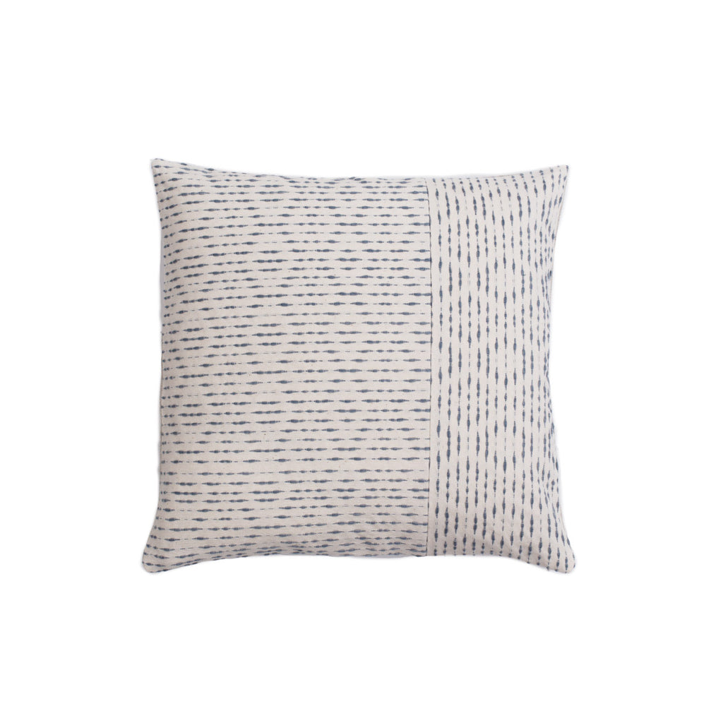 Ixteca LUA Cushion -lt blue/cream