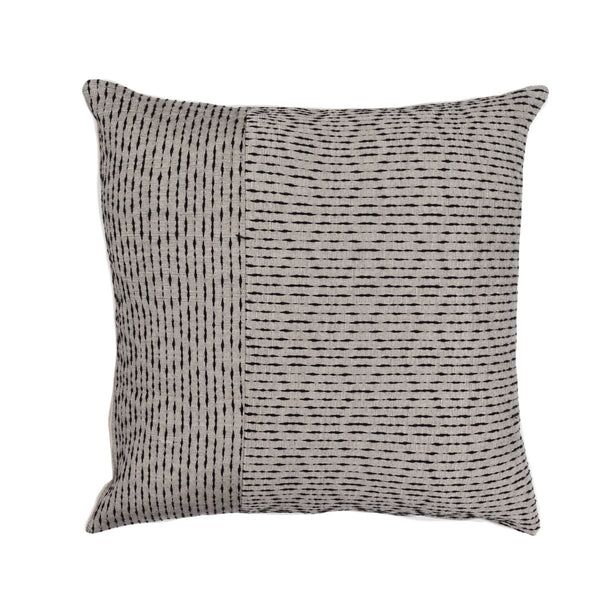 Ixteca LUA Cushion -black/white