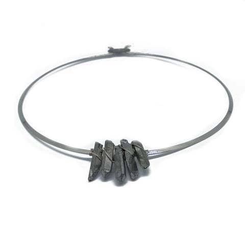 Silver choker with silver irregular quartz