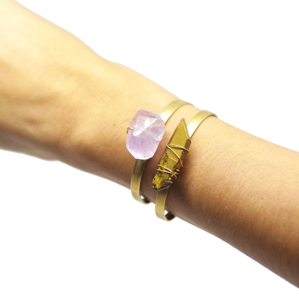 Bracelet with irregular 1 quartz