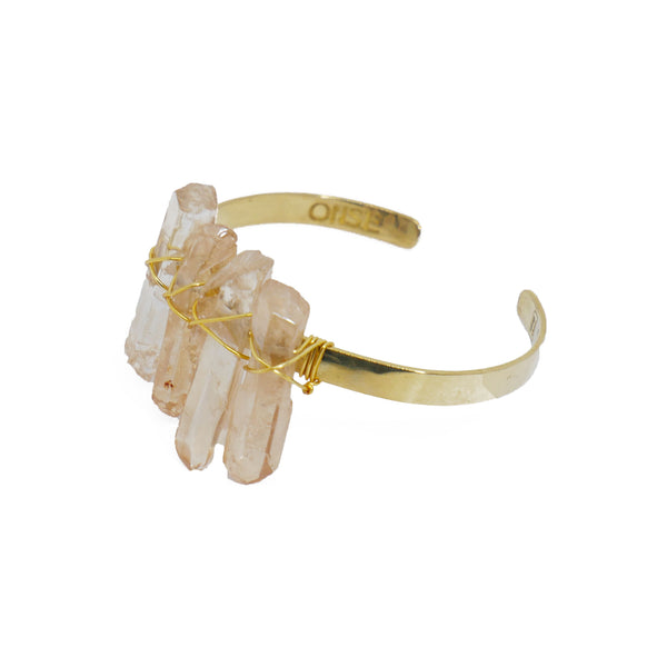 Bracelet with irregular soft salmon quartz