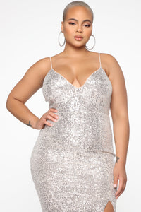 NWT Fashion Nova Stars Do Shine Sequin Dress