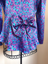 Load image into Gallery viewer, Vintage Orite Blouse With Bow