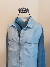 Load image into Gallery viewer, Cloth and Stone Denim Shirt (XS)