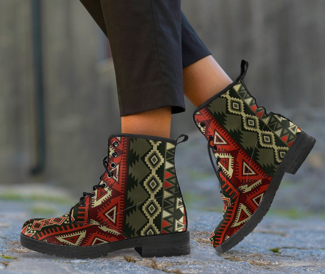 Native American Beautiful Pattern Leather Boots NT013