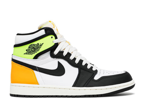 "AIR JORDAN 1 RETRO ""VOLTAGE YELLOW"" 555088 118"