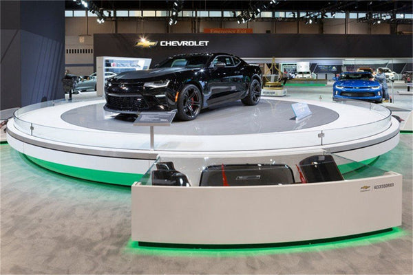 Lighting Up the Chicago Auto Show