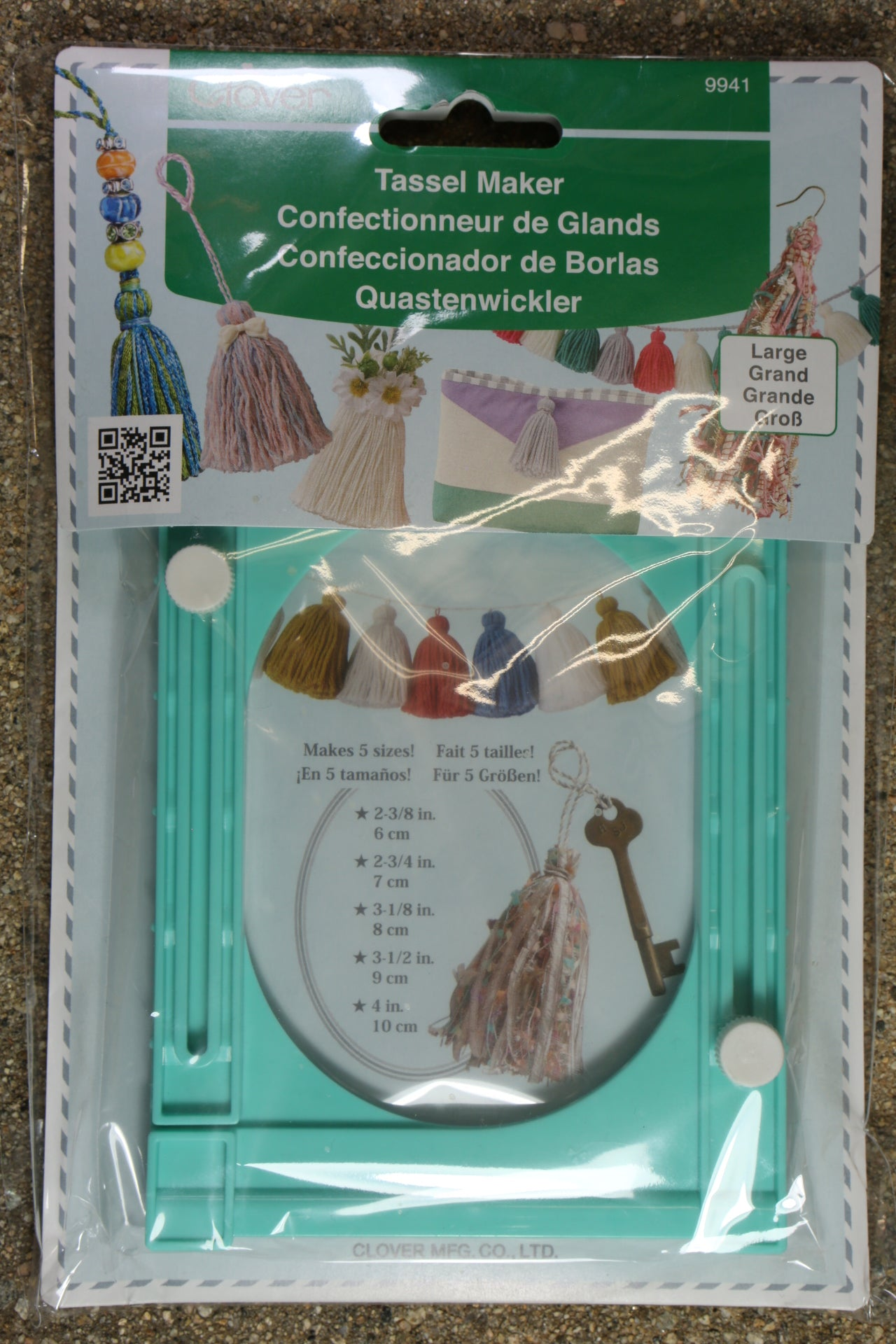 CLOVER LARGE TASSEL MAKER CREATES 5 SIZE TASSELS in EMBROIDERY OR YARN CL9941