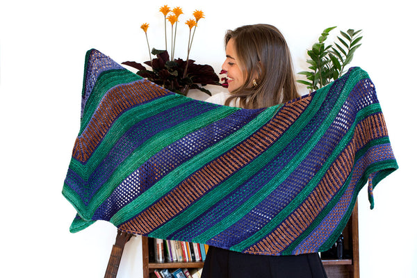 Urth Maya Shawl Kit