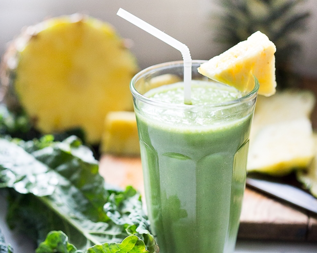 Soursop Matcha Green Tea and Pineapple Smoothie