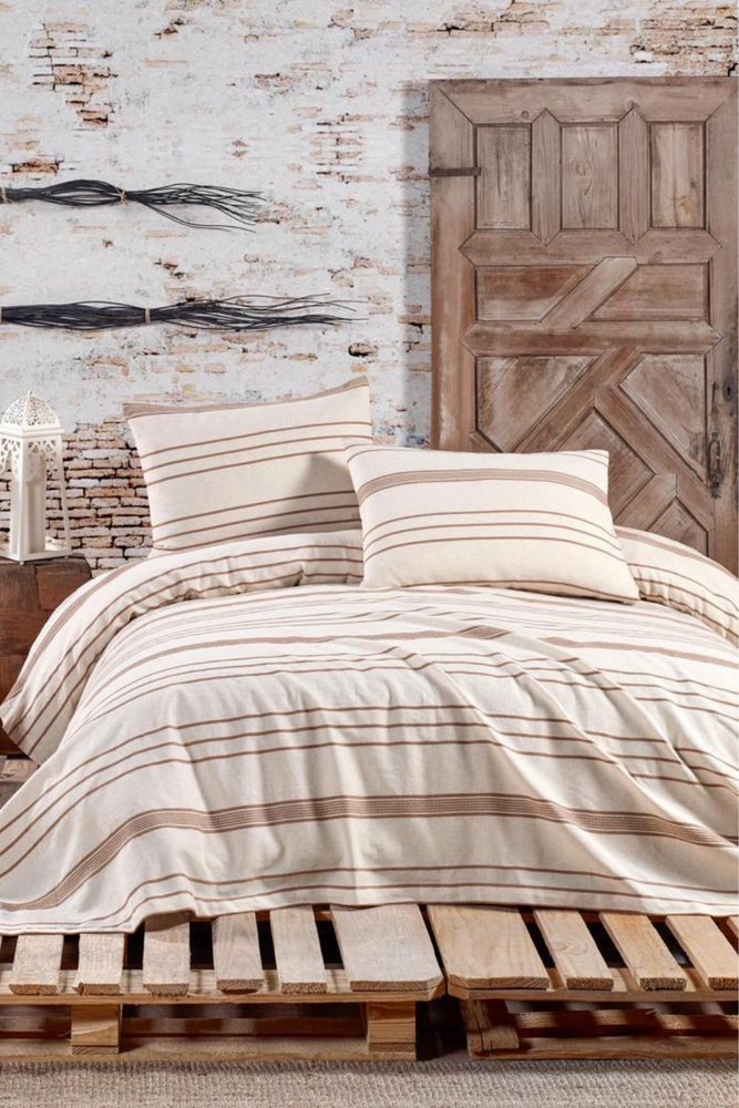 Stripe Duvet Set in Tan for Queen size bed