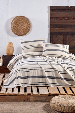 Load image into Gallery viewer, Stripe Duvet Cover Set in Black for a Queen size bed